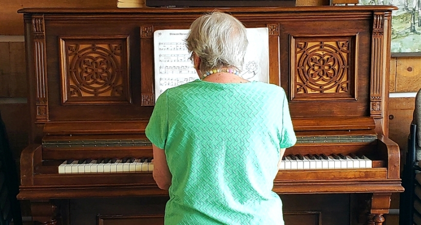 Suzanne playing piano